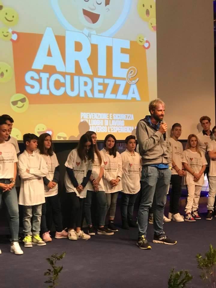 """""""SicuraMente scuola 2018"""" alla 2D il primo premio sezione """"Brani audio""""."""