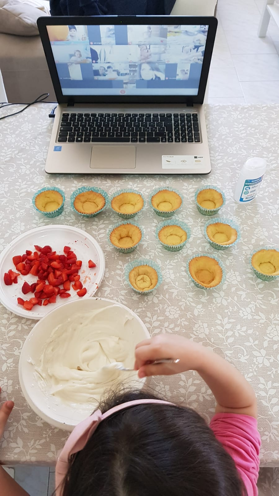 In cucina con mamma / Scuola dell'Infanzia plesso Montessori sezione C